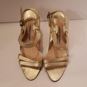 Manolo Blahnik gold metallic sandals sz 9